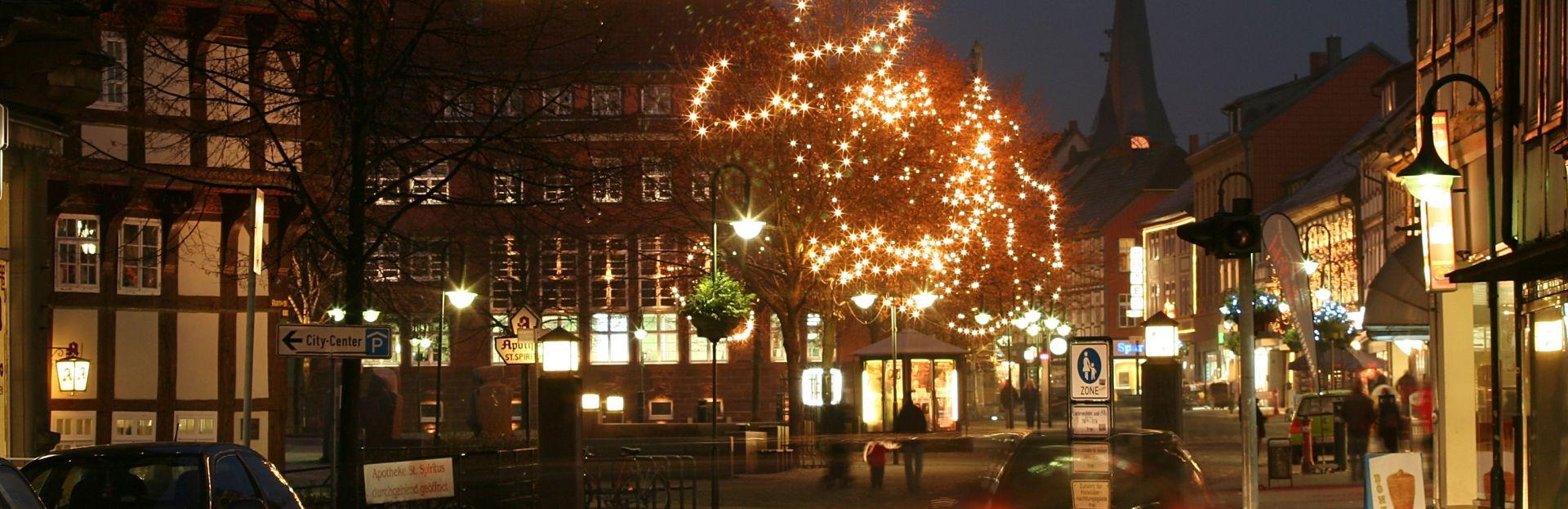Weihnachtlich geschmückte Innenstadt, Northeim. Fotograf: Frank Hoffmann, Northeim - Teilnehmer des Fotowettbewerbs zum 125-jährigen Geburtstag des Landkreises.